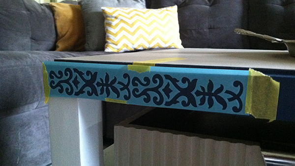 upcycled-diy-stenciled-border-coffee-table