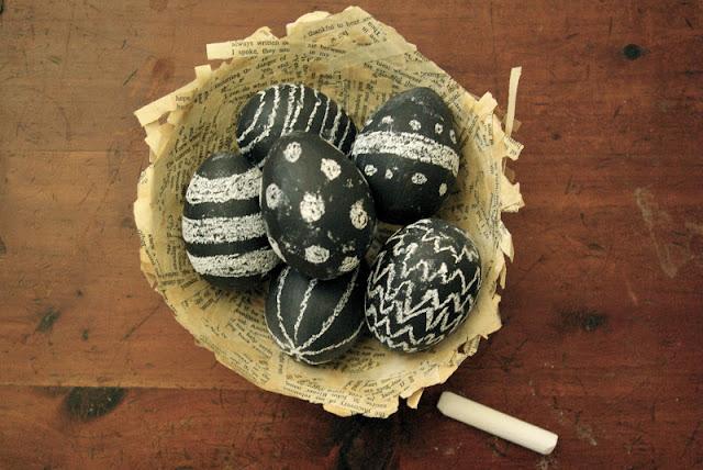 chalkboard-easter-eggs
