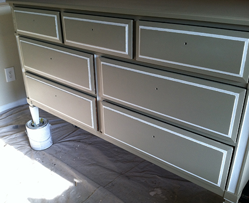 Have a mid-century feel to your decor but not the right furniture? Check out this DIY Mid-Century Dresser Makeover! UpcycledTreasures.com