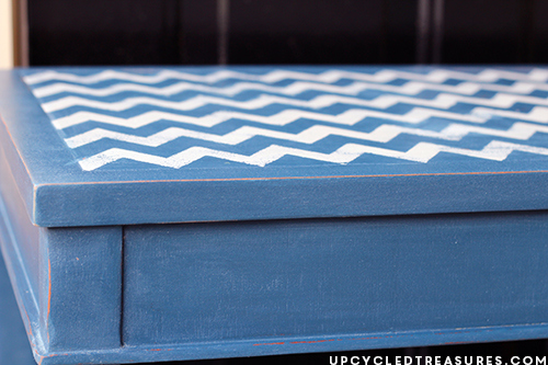 Navy-Side-Table-with-Chevron-Stenciled-Top-upcycledtreasures