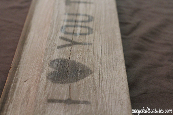 DIY Wood Sign Using Your Printer! Check out how to make your own wooden sign without tracing paper or a silhouette machine. UpcycledTreasures.com