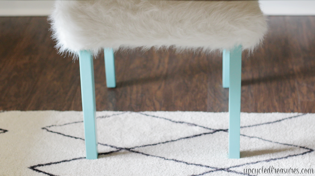 Whimsical Faux Fur Office Chair Makeover. A boring chair gets transformed using faux fur and pops of turquoise! UpcycledTreasures.com