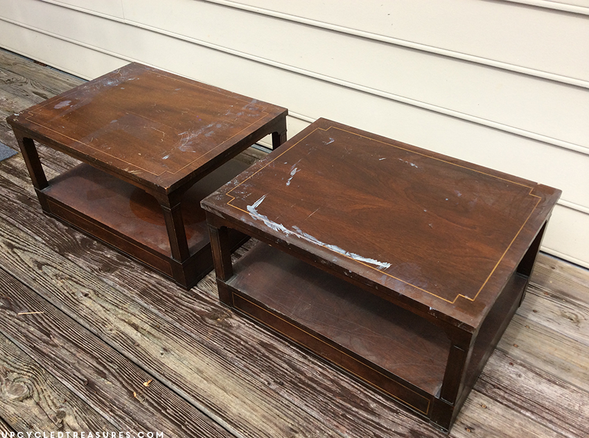 Ever thought about using Chalk Paint? If so check out this examination of its uses on these Upcycled Coffee Tables! UpcycledTreasures.com