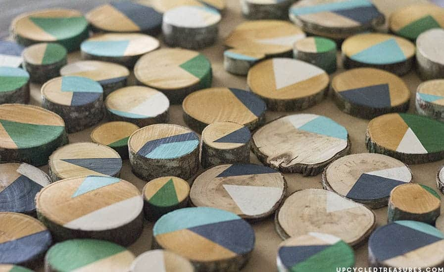 Looking for creative, affordable wall art ideas? See how easy it is to reimagine fallen branches into wood slice art! MountainModernLife.com