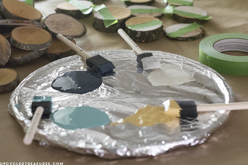 painting-wood-slices-for-modern-rustic-wall-art-upcycledtreasures