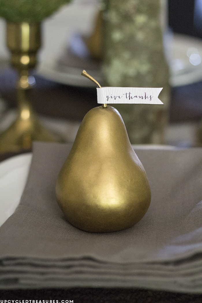 rustic-give-thanks-flags-on-pears-placesetting-upcycledtreasures