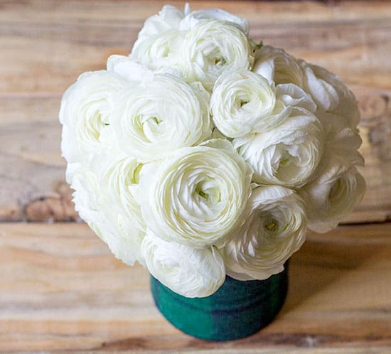 diy plaid vase for winter wedding with ranunculus mountainmodernlife.com