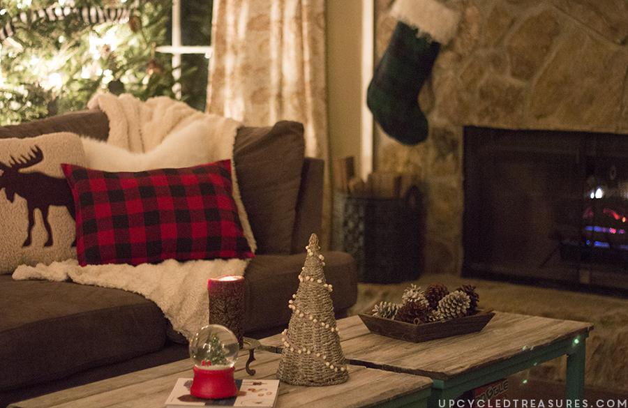 rustic-lodge-inspired-christmas-decor-upcycledtreasures