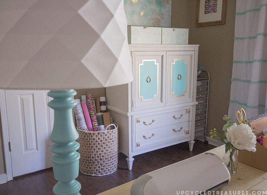 Want to see a piece of furniture completely change? Check out the Before and After photos of this upcycled mid-century armoire! MountainModernLife.com