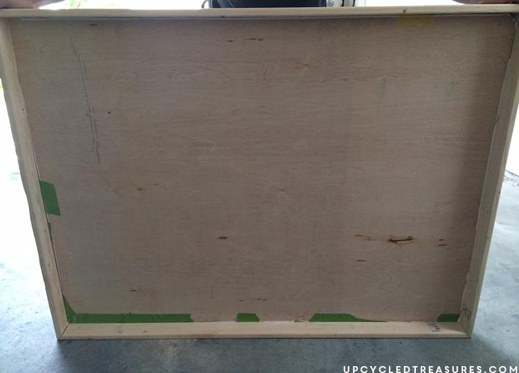 diy-large-wood-frame-for-diy-wall-decor-upcycledtreasures