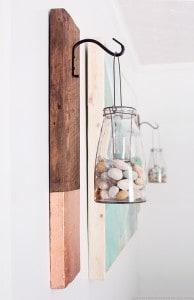 rustic-vertical-wall-hanging-using-barnwood-mountainmodernlife.com