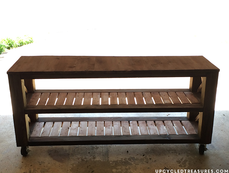 diy-rustic-tv-stand-upcycledtreasures