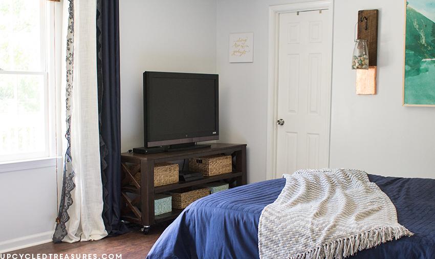 modern-rustic-bedroom-upcycledtreasures