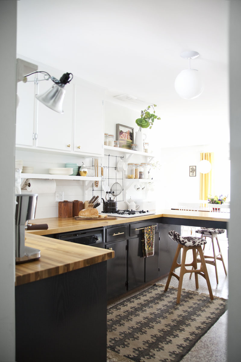 Stunning Kitchen Designs with 2-Toned Cabinets | Black & White Kitchen Design | A beautiful Mess