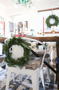 cabin-inspired-christmas-dining-room-decor-mountainmodernlife-com