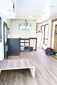 renovating-tiffin-rv-into-rustic-modern-design-before-photo-mountainmodernlife,com