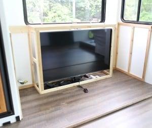 testing tv on lift inside motorhome mountainmodernlife.com