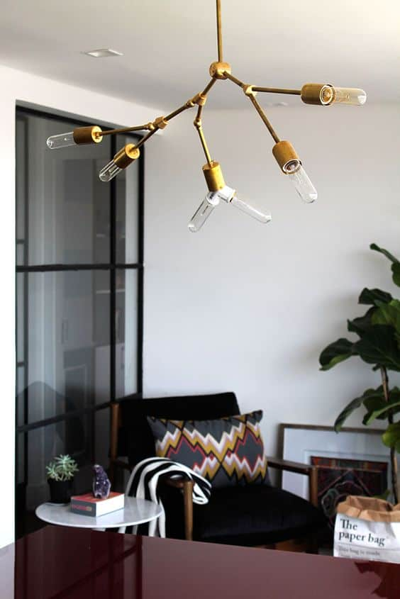 Thinking about making your own light fixture? You've gotta check out these DIY Modern Light Fixtures you won't believe are handmade! Photo: Lindsey Adelman DIY Light Kit