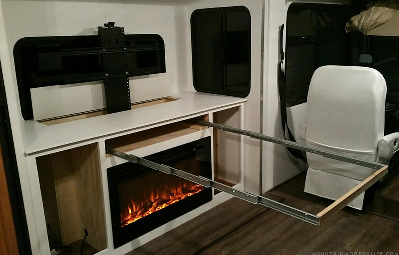 DIY expandable table in RV