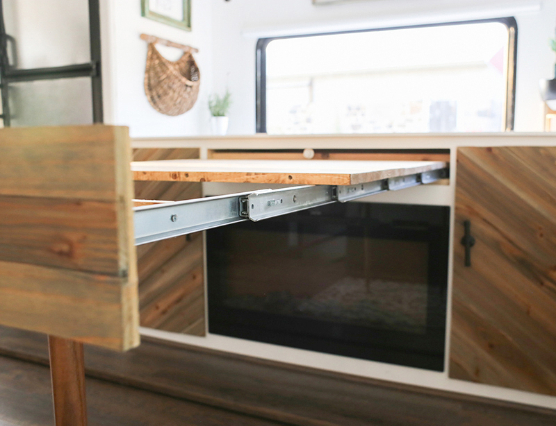 tiny home desk that expands
