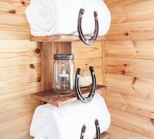 diy-horseshoe-towel-rack-mountainmodernlife-com-550