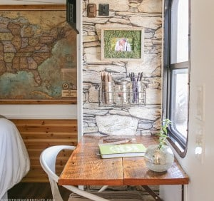 diy-rustic-reclaimed-pop-up-desk-small-space-idea-mountainmodernlife-com