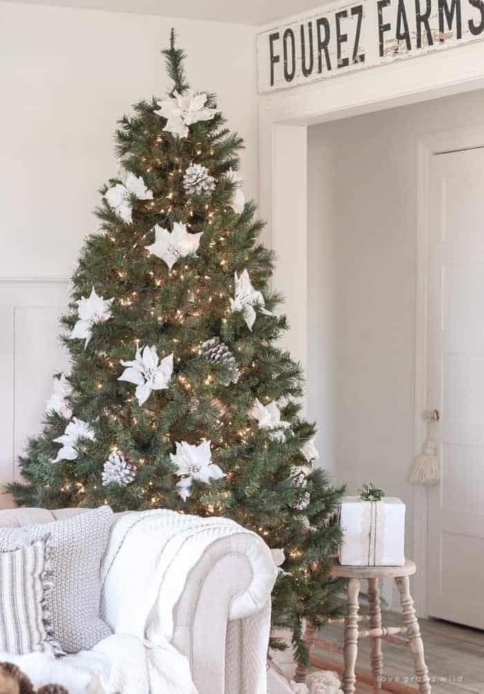 Rustic Farmhouse Christmas Tree   Love Grows Wild
