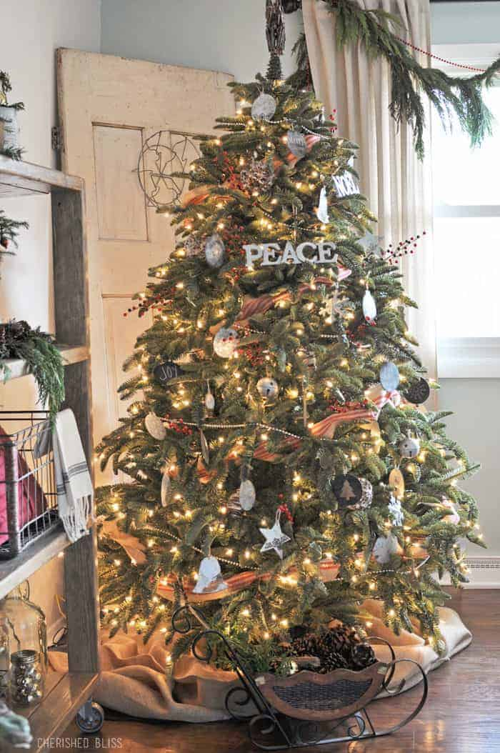 25 of the Most Inspiring Rustic Christmas Trees - Cozy Rustic Christmas Tree   Cherished Bliss