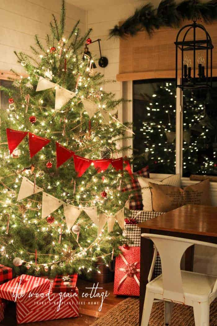 Rustic Christmas Tree   The Wood Grain Cottage