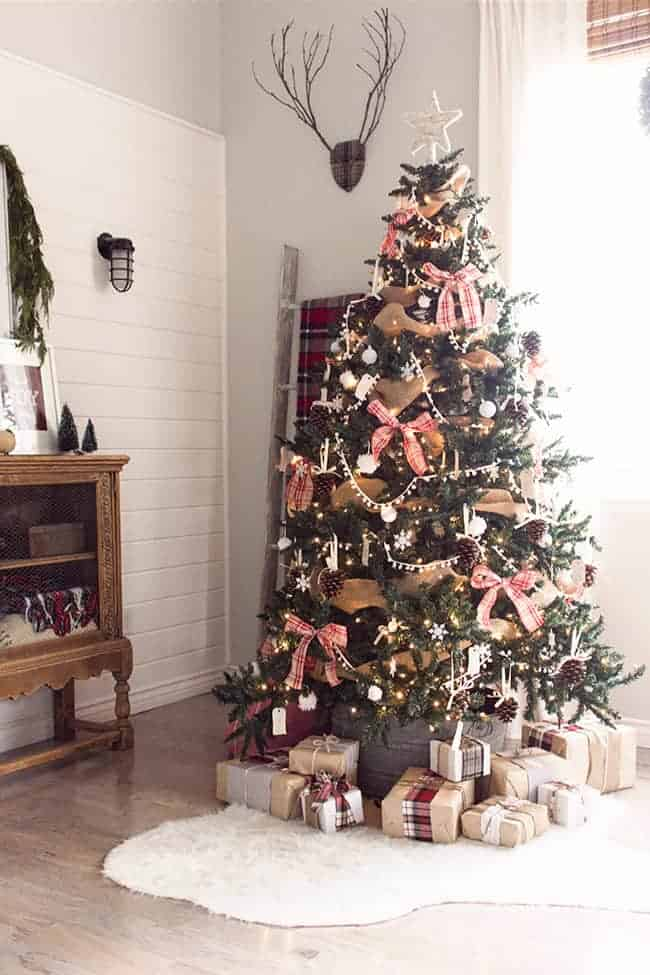 25 of the Most Inspiring Rustic Christmas Trees - Rustic Christmas Tree   Jenna Sue Designs