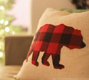 diy-buffalo-plaid-pillows-mountainmodernlife-com-550