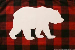 making-rustic-buffalo-plaid-pillow-mountainmodernlife-com