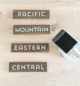 creating-time-zone-clock-signs-for-rv-mountainmodernlife.com