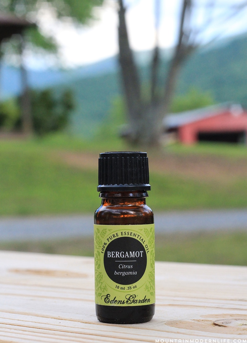 Looking to incorporate natural remedies into your lifestyle? Here are 6 of my favorite single essential oils that I frequently use.   MountainModernLife.com