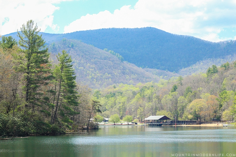 Looking for a weekend getaway or a place to day hike? Consider exploring Vogel State Park in the North Georgia Mountains. | Mountainmodernlife.com