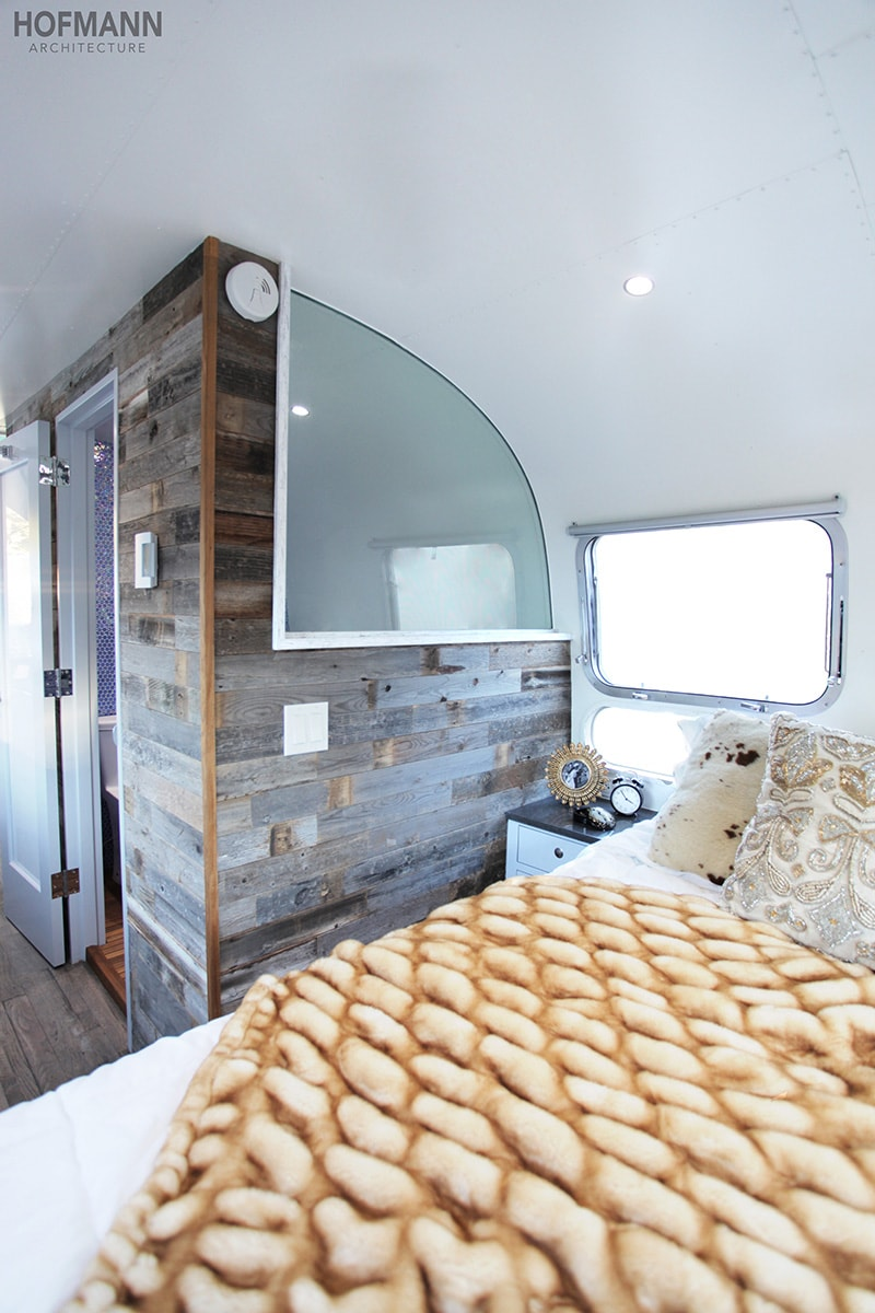 If white paint, various wood tones, and lots of texture is your thing, you'll love these rustic camper remodels! Photo Source: Hoffman Architecture