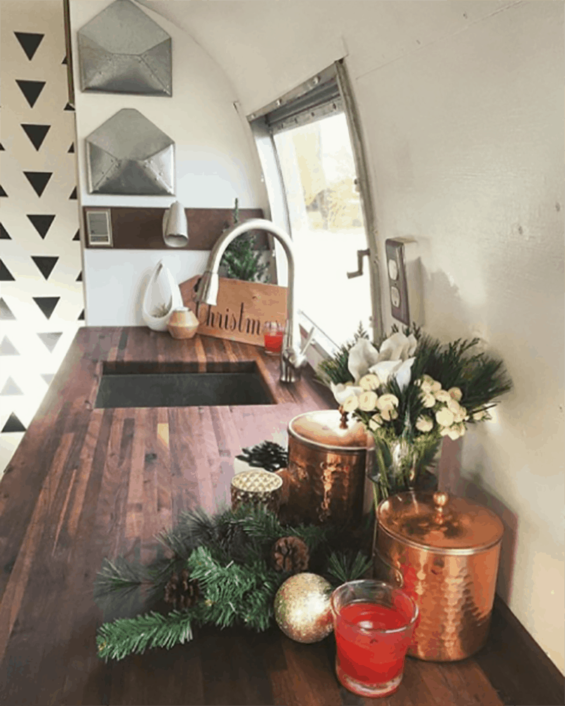 If white paint, various wood tones, and lots of texture is your thing, you'll love these rustic camper remodels! Photo Source: Liv Berg Design