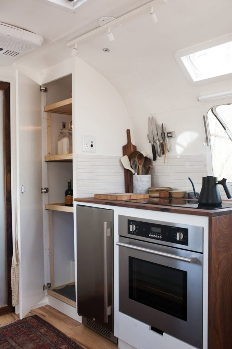 If white paint, various wood tones, and lots of texture is your thing, you'll love these rustic camper remodels! Photo Source: The Modern Caravan