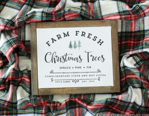 See how easy it is to make Holiday signs from printables with this image transfer method! Perfect for decorating your own home or to give away as gifts.