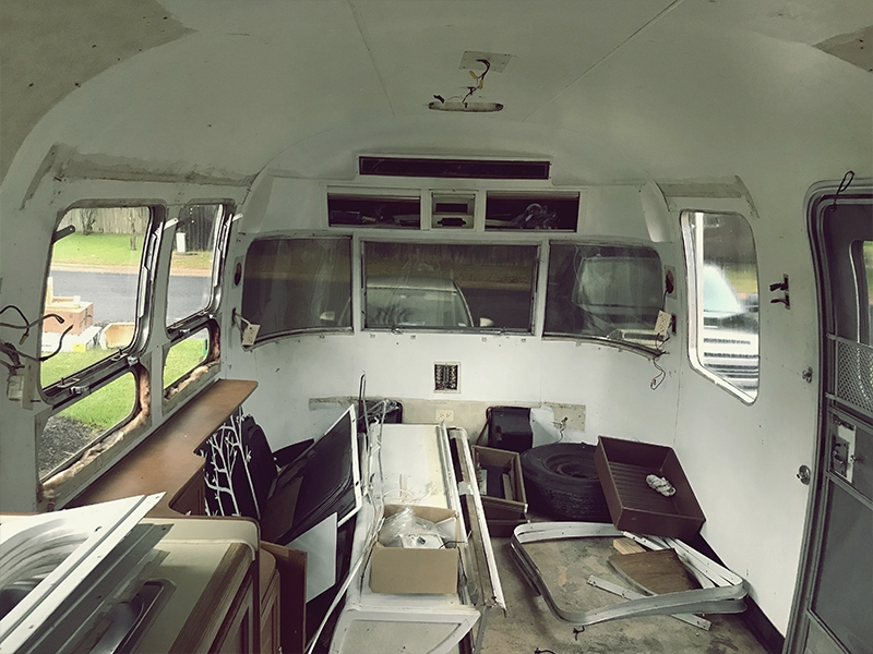 Tour this Renovated Airstream from Trailer Trashin with Modern Finishes and Tropical Vibes! Featured on MountainModernLife.com