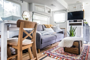 (Camper) Design Vibes Featuring LovetheTinyLife -See how a family of 3 lives in this renovated travel trailer!