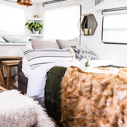 renovated-camper-tour-featuring-lovethetinylife-on-mountainmodernlife.com-500