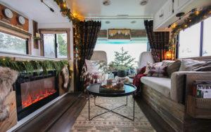 Cozy RV Christmas Tour   MountainModernLife.com #mycamperchristmas #RVtour