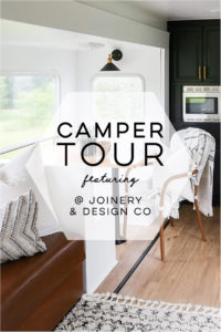 Tour this kid-friendly modern rustic camper remodel from @Joinery&DesignCo! #camperreno #campermakeover #camperremodel #tinyhometour #modernrustic