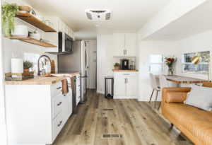 This RV remodel from JoyfullyGrowing will leave you speechless! See the before and after on MountainModernLife.com