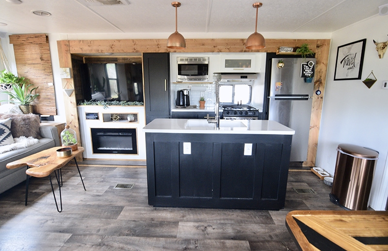 This renovated travel trailer kitchen from @TinCanRamblers has major Southwestern Vibes! See the before and after on MountainModernLife.com