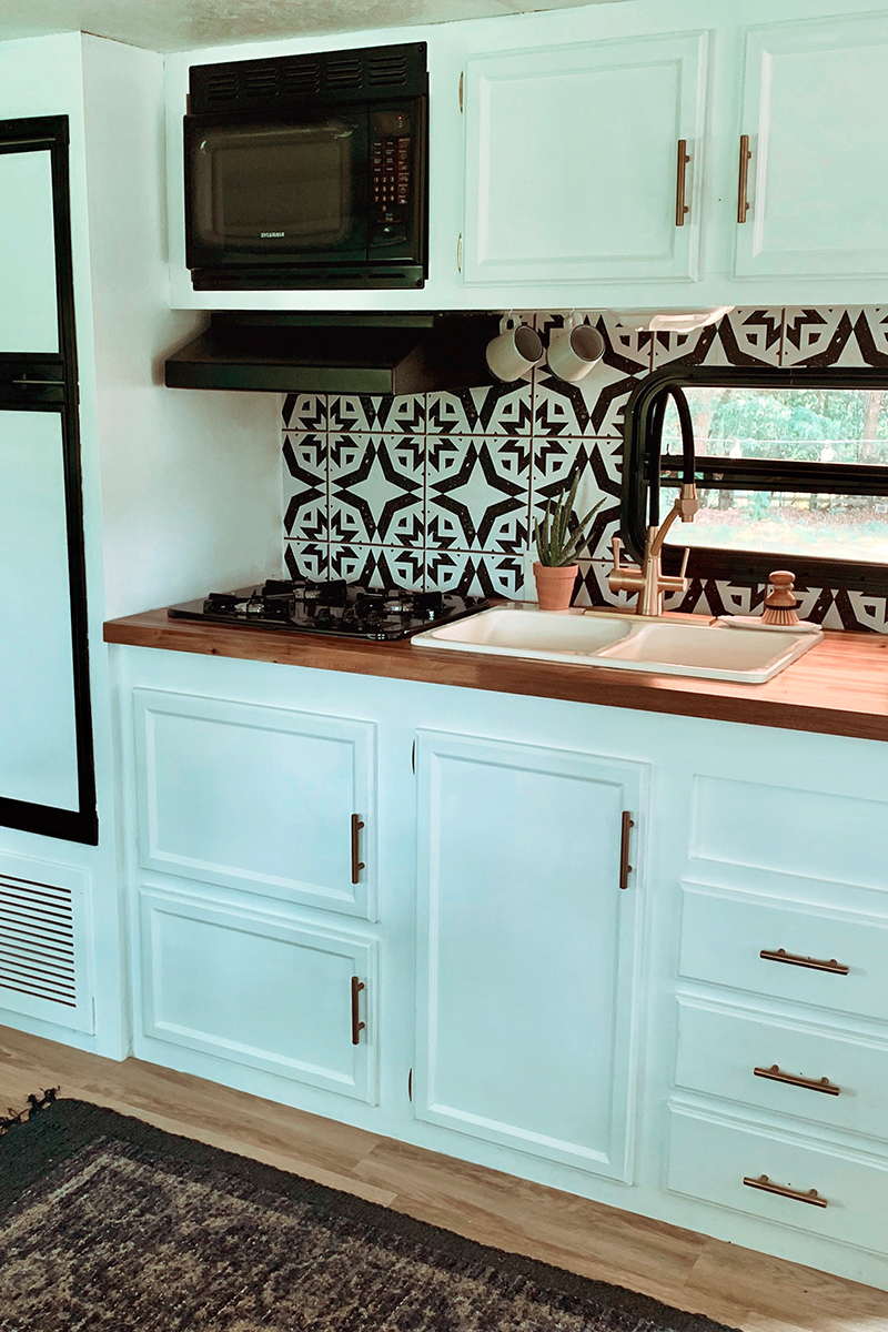 Camper Kitchen Renovation Featuring @madefreeco on MountainModernLife.com