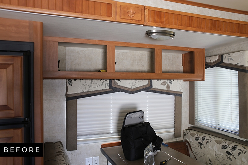 Outdated RV light fixture above dinette
