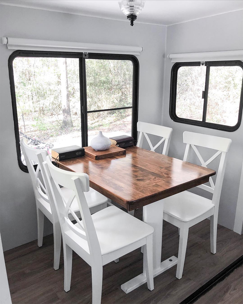 Fifth Wheel Dinette Space from @fifthwheelfarmhouse
