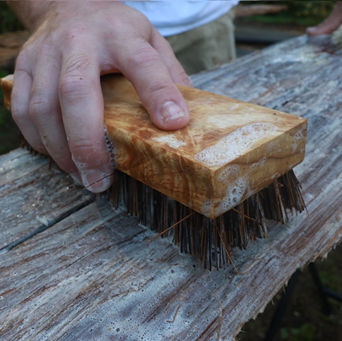 How to clean reclaimed wood (and get rid of bugs!) before you bring it into your home or RV | MountainModernLife.com
